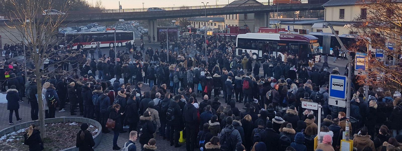 La gare de Bettembourg a été assaillie ce mardi matin par les usagers en attente de pouvoir regagner la capitale luxembourgeoise.
