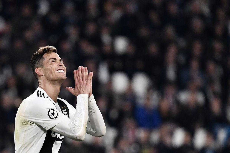 Cristiano Ronaldo não queria acreditar na eliminação da sua 'Juve'.