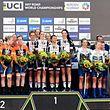 Le podium féminin avec Christine Majerus et ses coéquipières de Boels-Dolmans sur la deuxième marche.