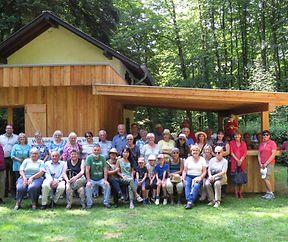 Die Becher Senioren begegneten der Kräuterfrau im Marscherwald