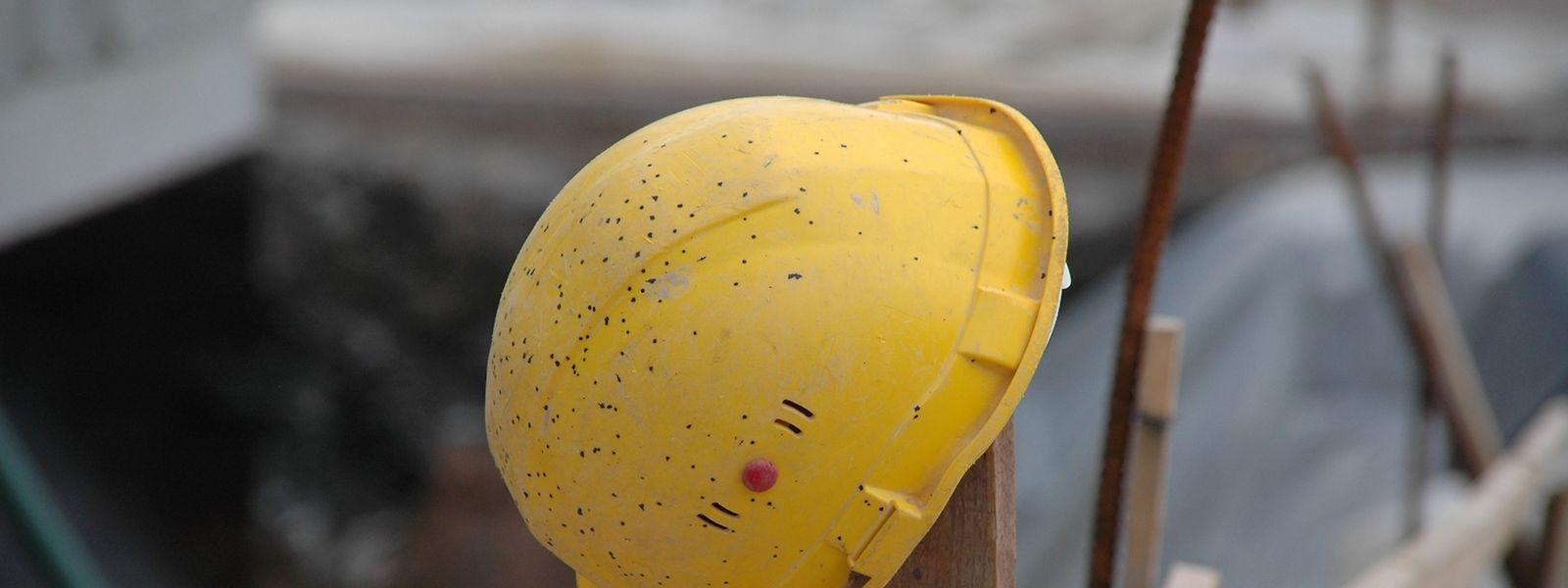 Auf etlichen Baustellen werden die Arbeiten trotz des Kollektivurlaubes nicht ruhen.