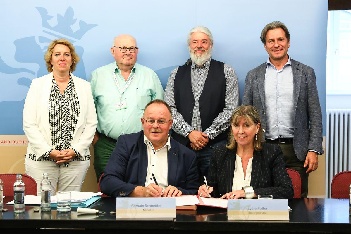 Am Donnerstag unterzeichneten die Repräsentanten der Stadt Luxemburg und der Regierung im Beisein von Vertretern der Férédation horticole luxembourgeoise eine Konvention, die die Kostenaufteilung für die  LUGA 2023 festlegt.