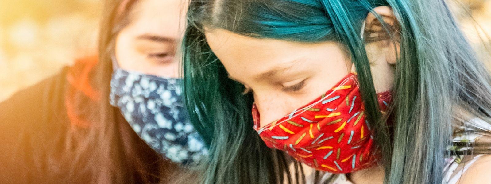 Junge Menschen sind zwar oft asymptomatisch, leiden aber dennoch an den Folgen der Pandemie.