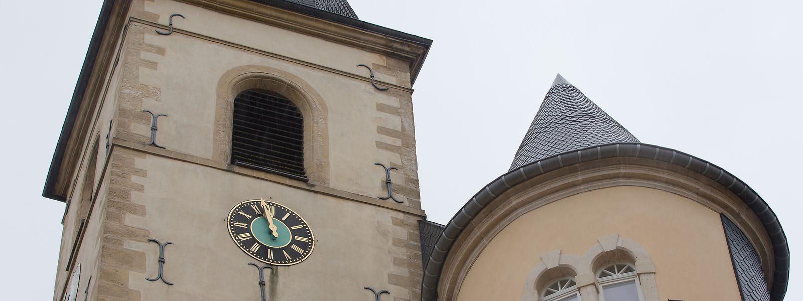Das historische Uhrwerk der Méchelskierch ist seit 1945 defekt.