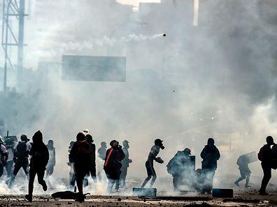 Mehr als 1000 Verletzte und 60 Tote gab es bisher bei den Protesten gegen die Regierung Maduro.
