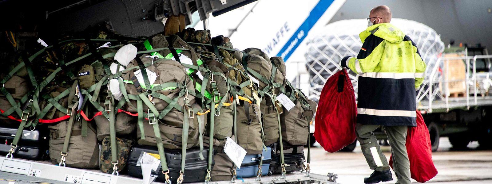 Pour venir en aide aux hôpitaux portugais, l'Allemagne a également envoyé mercredi une équipe de 26 médecins et infirmiers militaires.