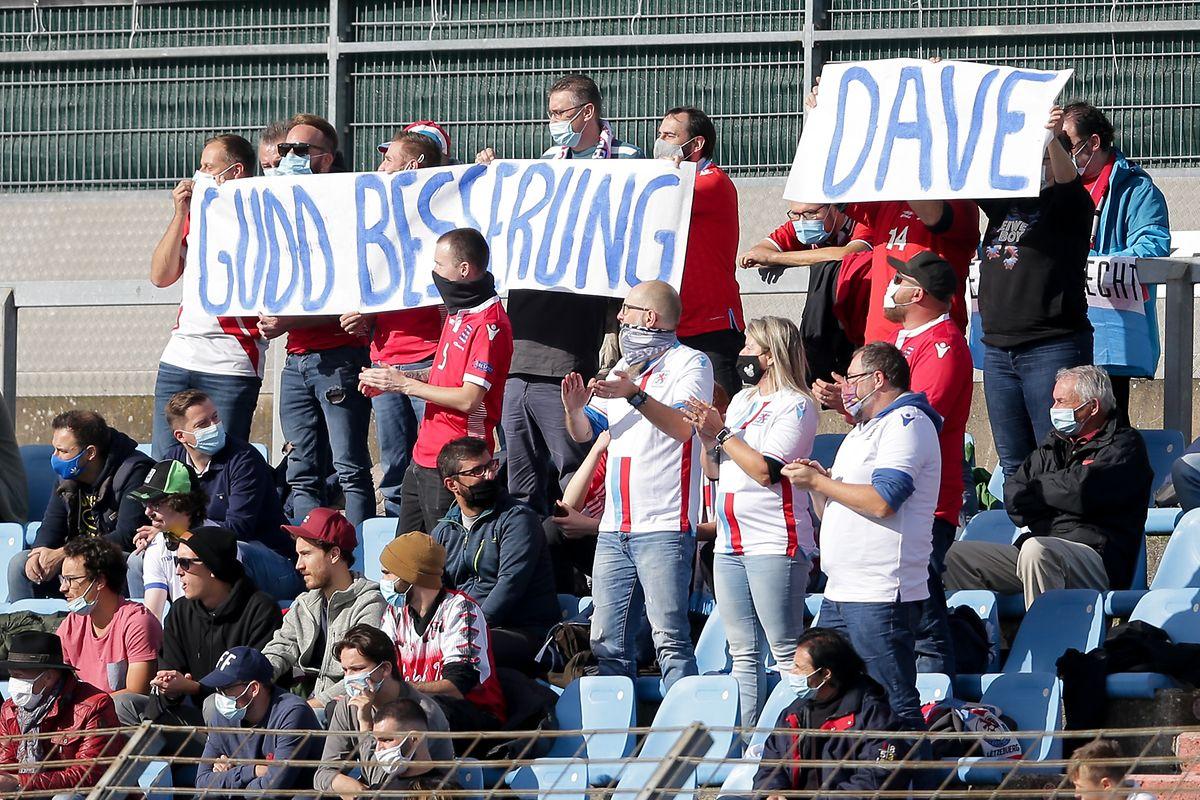 Die Fans wünschen Nationalspieler David Turpel, der einen Autounfall hatte, gute Besserung.