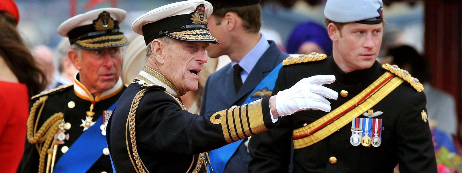 Prinz Harry im Jahr 2012 mit seinem Großvater Prinz Philip anlässlich der Feierlichkeiten zum diamantenen Thronjubiläum von Königin Elizabeth.