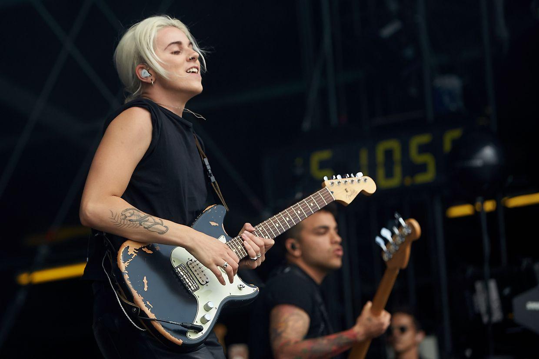 Schon wieder eine Frau auf der Hauptbühne: Lyndsey Gunnulfsen, Sängerin der US-amerikanischen Rockband PVRIS.