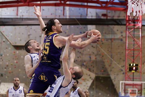 Halbfinals im Basketball: Musel Pikes und Amicale im Endspiel
