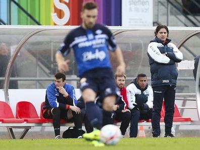 La saison de Pedro Resende sur le banc de touche est finie. Le coach eschois a été suspendu deux mois.