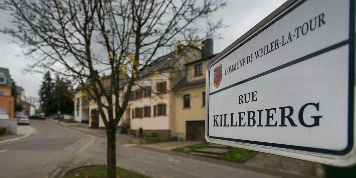 Die Rue Killebierg in Hassel wird wohl auf ewig mit diesem Verbrechen in Verbindung stehen. Das Haus des Opfers befand sich in der oberen Hälfte der Straße. Mittlerweile ist es abgerissen worden.