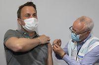Luxtimes,Xavier Bettel bekommt Coronaimpfung.Foto: Gerry Huberty/Luxemburger Wort