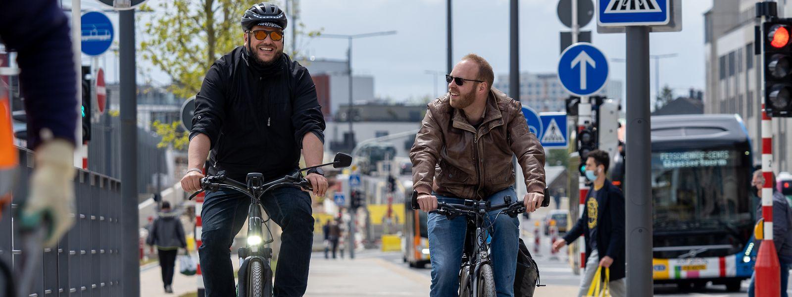 Steve Remesch (l.) und Michael Merten (r.) zählen beide zu jenen Menschen, für die das Fahrrad das alltägliche Fortbewegungsmittel ist.