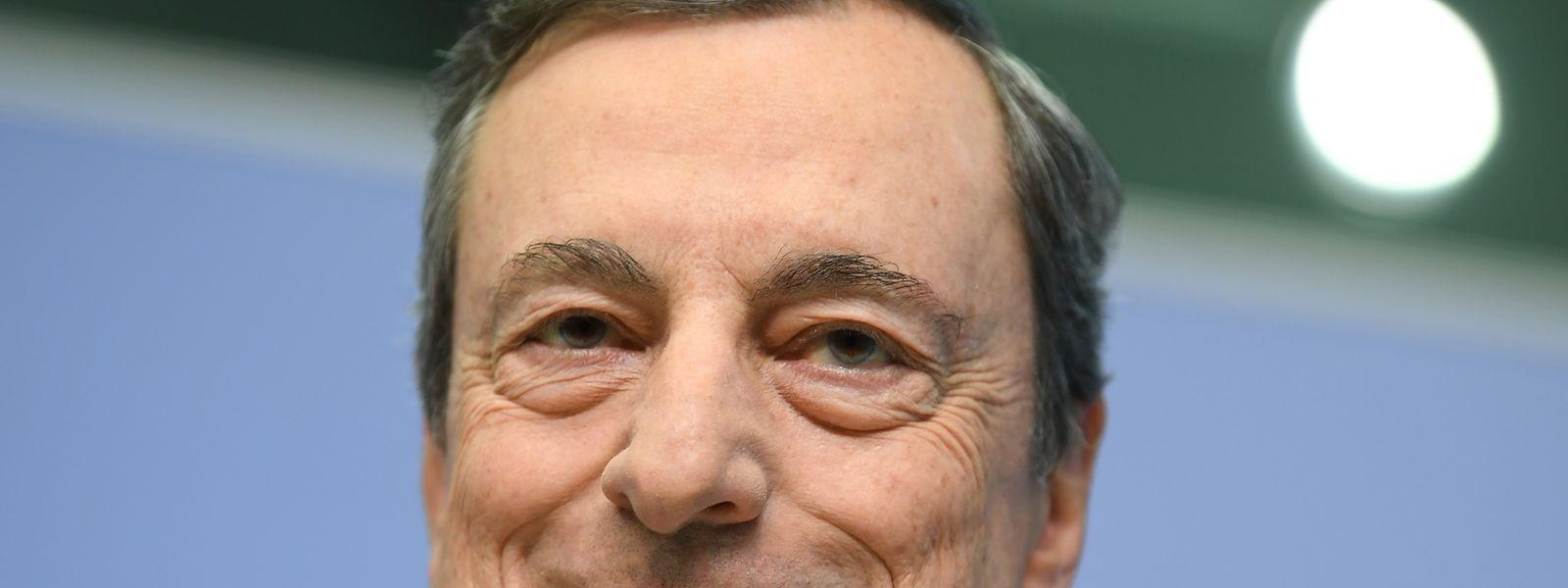 Mario Draghi, Präsident der Europäischen Zentralbank (EZB), nimmt an der Pressekonferenz in der EZB-Zentrale teil.