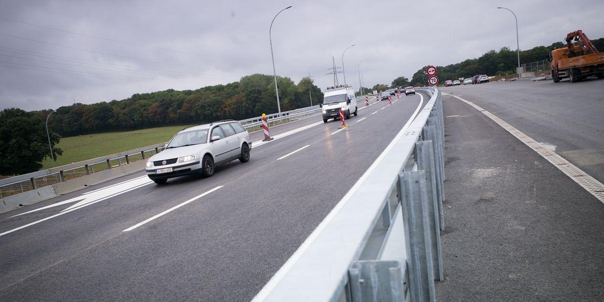 Seit Montagmorgen läuft der Verkehr auf der A13 durchgehend.
