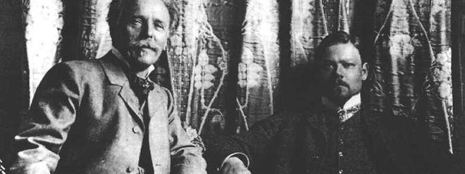 Ein gutes Team: Karl May (l.) und der Künstler Sascha Schneider, der die ersten Titelbilder für seine Romanserien gestaltete.
