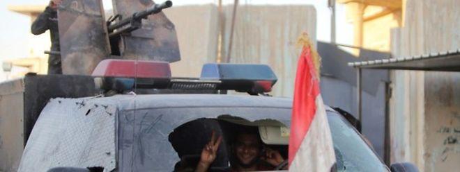 In Syrien versuchen IS-Dschihadisten seit Tagen verstärkt, die unmittelbar an der Grenze zur Türkei gelegene Stadt Kobane (arabisch: Ain al-Arab) einzunehmen.