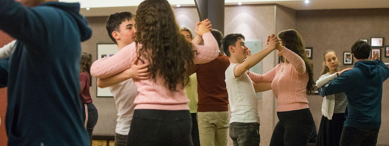 Herzklopfen im Dreivierteltakt - zu Besuch in der letzten Tanzstunde vorm Premier Bal (Tanzschule Roulling anc. Annette Kohner), Foto: Lex Klerenn/Luxemburger Wort