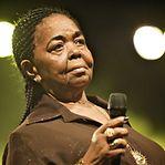 Google homenageia cantora cabo-verdiana Cesária Évora