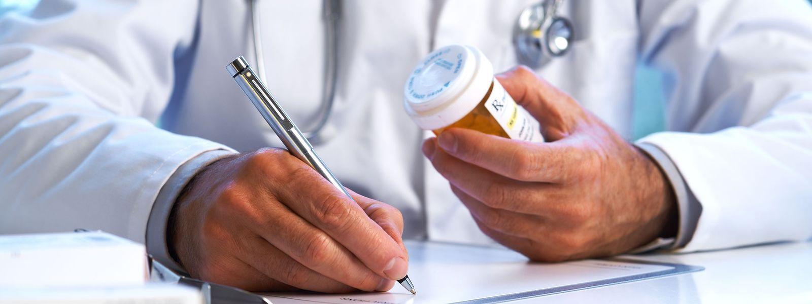 Viele Patienten seltener Erkrankungen erhalten am Anfang falsche Diagnosen. Der Nationale Plan soll den Zugang zu Diagnosemaßnahmen vereinfachen sowie präventive Maßnahmen verstärken.