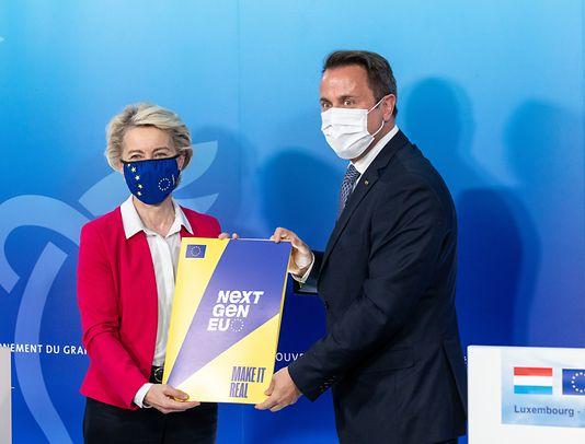 European Commission President Ursula von der Leyen and Luxembourg Prime Minister Xavier Bettel in Betzdorf, Luxembourg on 18 June