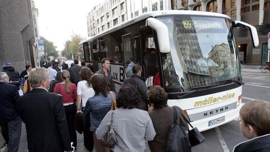 Ce bus partira toutes les 30 minutes entre 05h40 et 07h40 et toutes les heures entre 08h40 et 21h40 au départ de Manom vers Kirchberg.