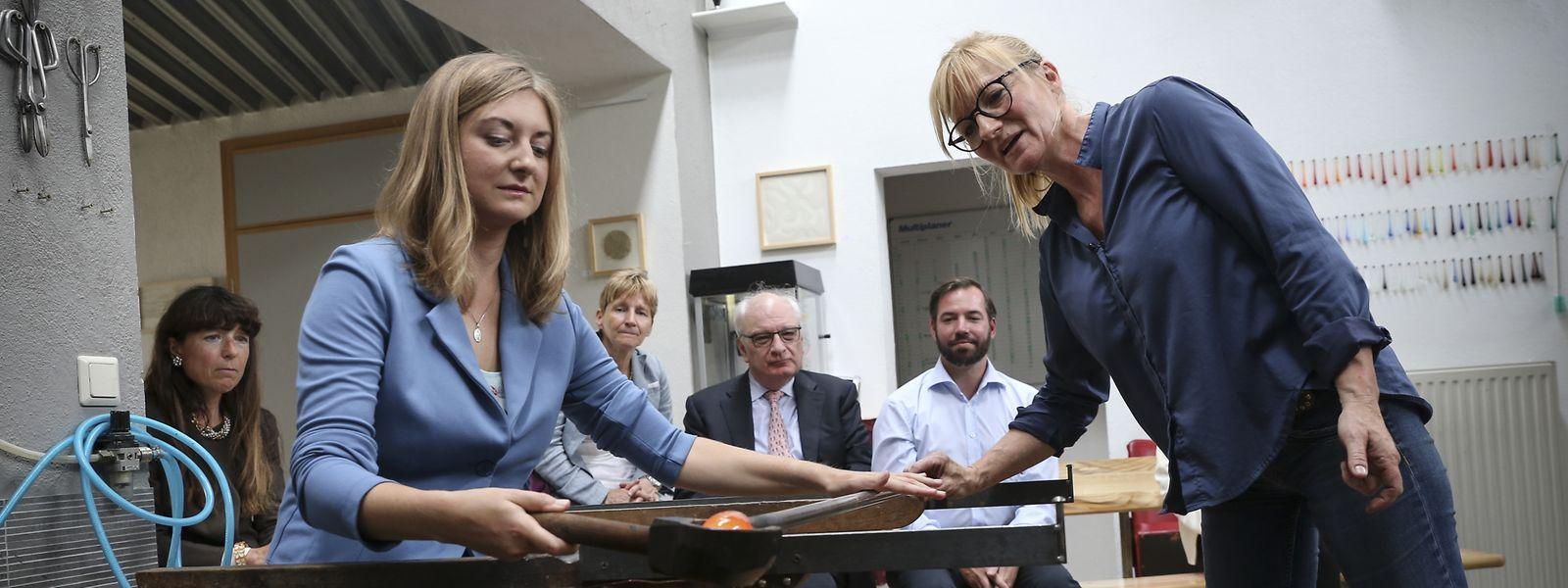 Erbgroßherzogin Stéphanie unterstützte Glasbläserin Pascale Seil.