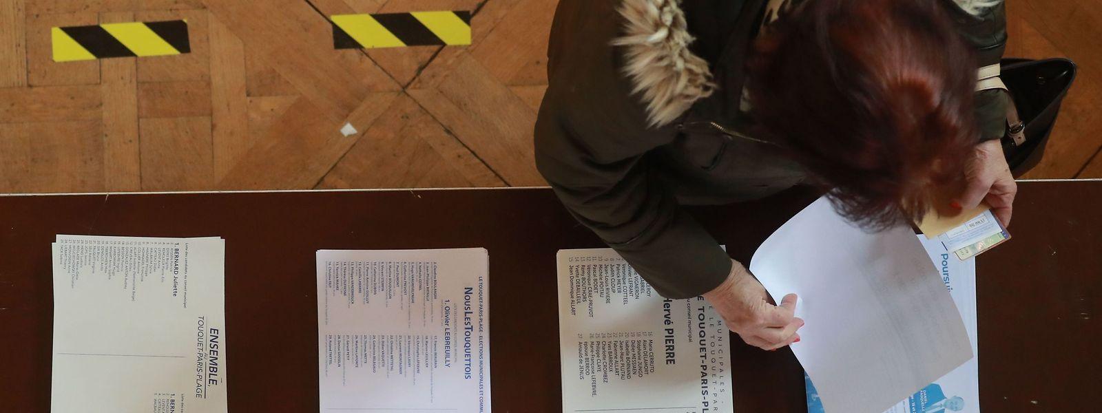 Le recours au vote par procuration «sera à nouveau facilité», a expliqué Castex.