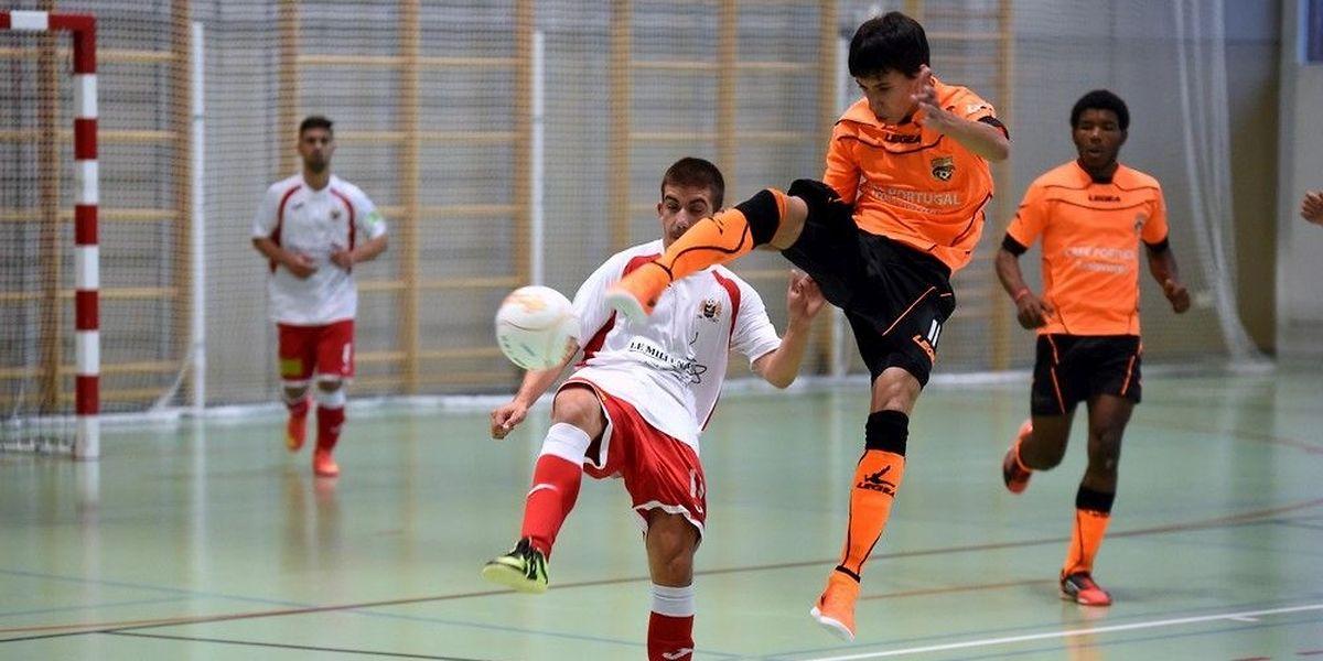 Joao Marco Soares et l'Amicale Clervaux (en orange) ont échoué de justesse (13-14) devant Feulen et Kevin Teixeira, dans la Série A