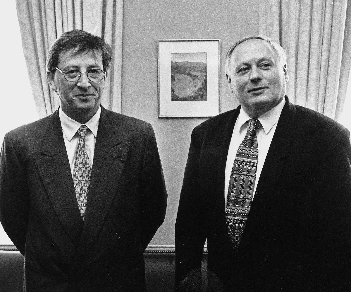 Lafontaine (r.) 1997 mit Jean-Claude Juncker ...