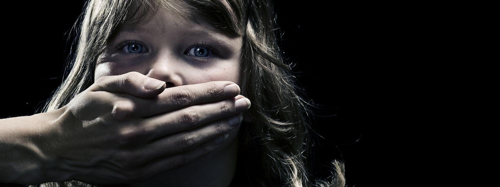 Le service de signalement d'abus ou violences dans l'Eglise reste accessible par mail ou téléphone.