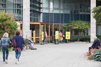 Lok , Rückkehr Normalität Hopital Kirchberg , kein Zelt mehr vor dem Haupteingang Foto:Guy Jallay/Luxemburger Wort