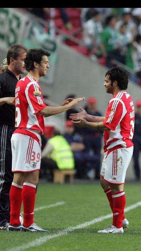 Na estreia pelo Benfica, rendendo Miccoli.