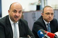 Der damalige Wirtschaftsminister Etienne Schneider (l.) mit Kyriakos Filippou, dem Direktor von Fage International, im Juli 2016 bei der Vorstellung des Fage-Projekts.