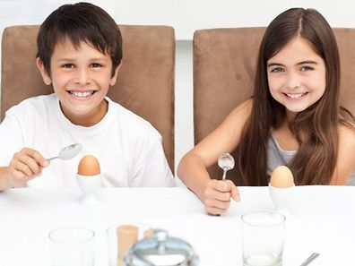the researchers found that children who ate the eggs breakfast (scrambled eggs, whole wheat toast, diced peaches, and one percent milk), ate less at lunch time