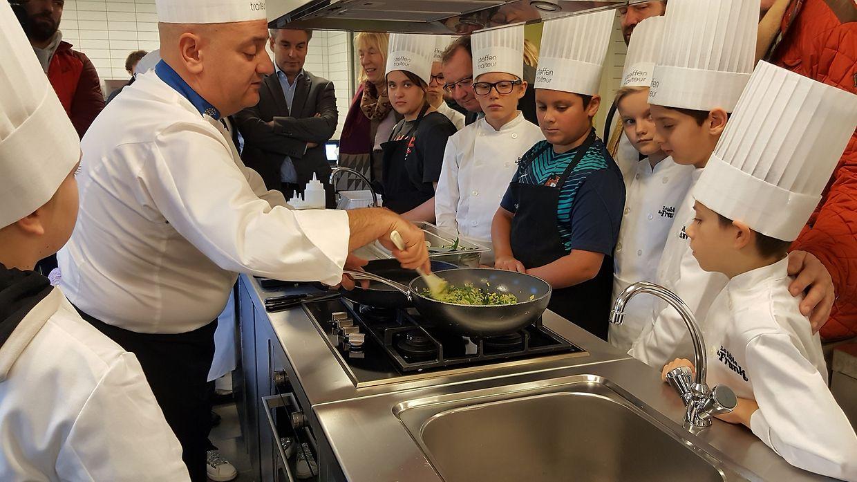 """Nicht in die Tonne sondern auf den Teller. So lautet das Motto der """"Semaine AntiGaspi"""", die die Lebensmittelverschwendung eingrenzen will. Dabei setzen die Agrar- und Bildungsminister unter anderem bei Kindern und in den Schulkantinen an."""