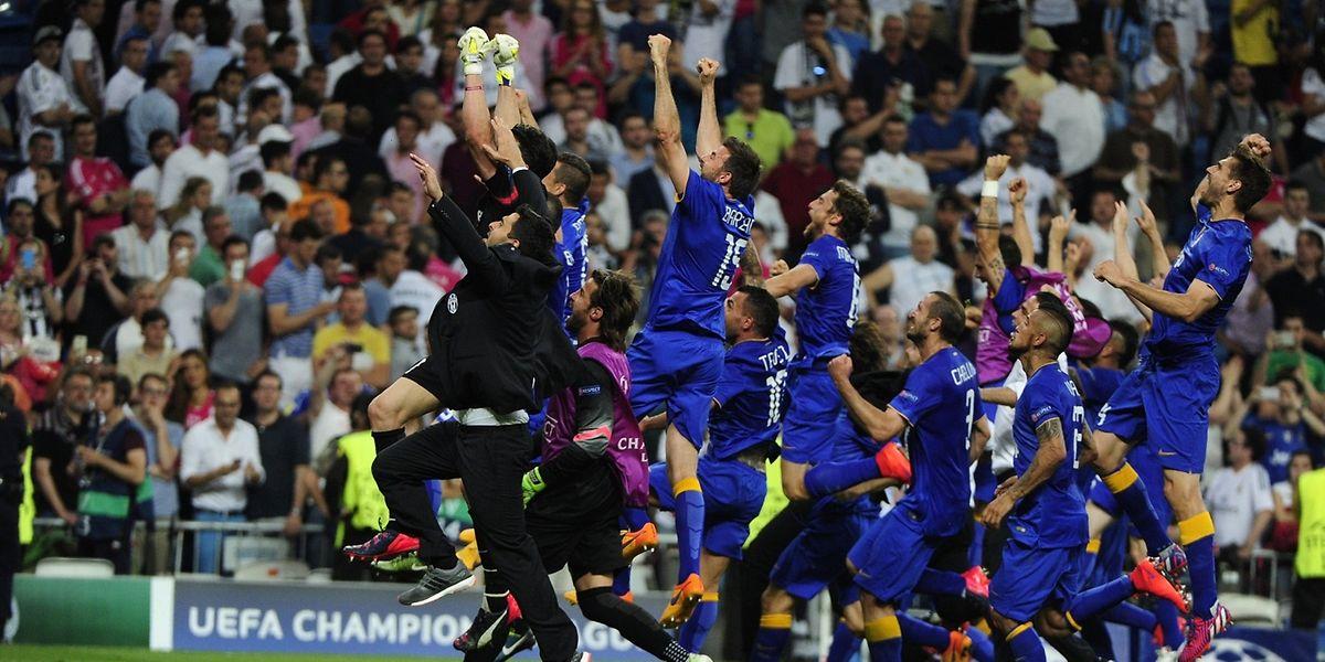 """Os jogadores de """"Juve"""" celebraram no final do empate em Madrid"""