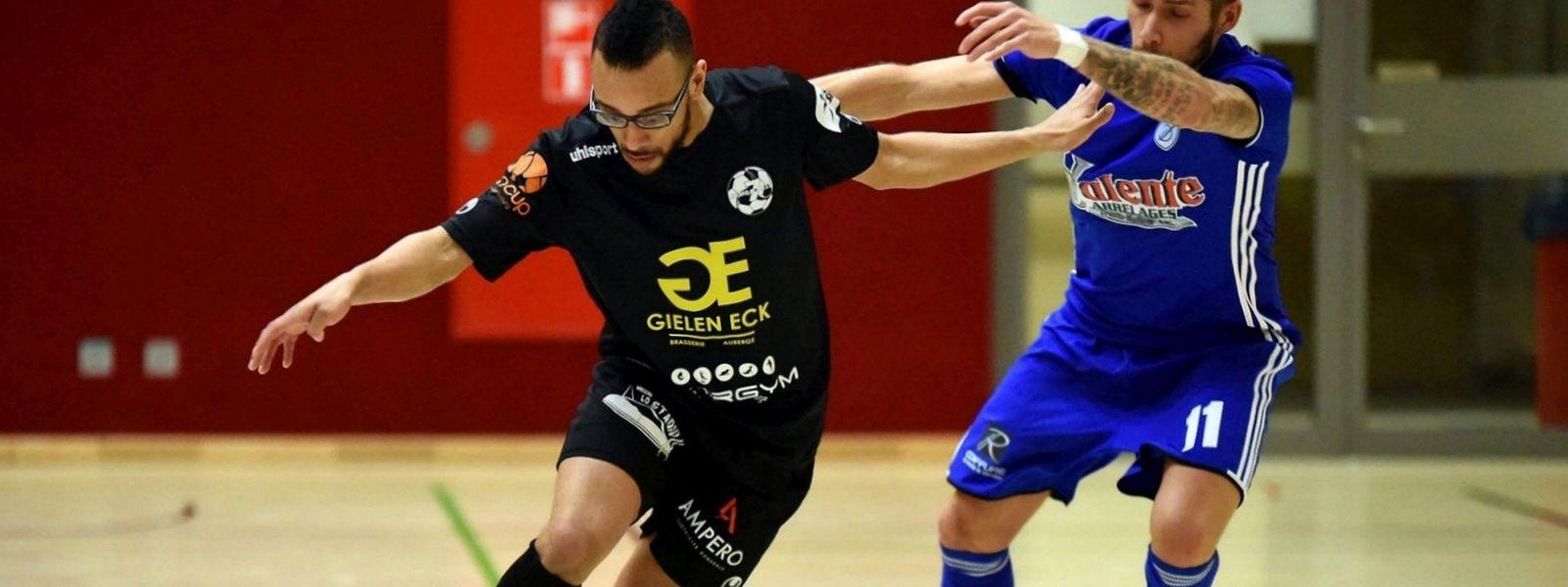 Daniel Perez pressé par Joe Monteiro da Veiga, le Samba 7 ALSS Futsal est tombé sur une formation du Racing particulièrement réaliste.
