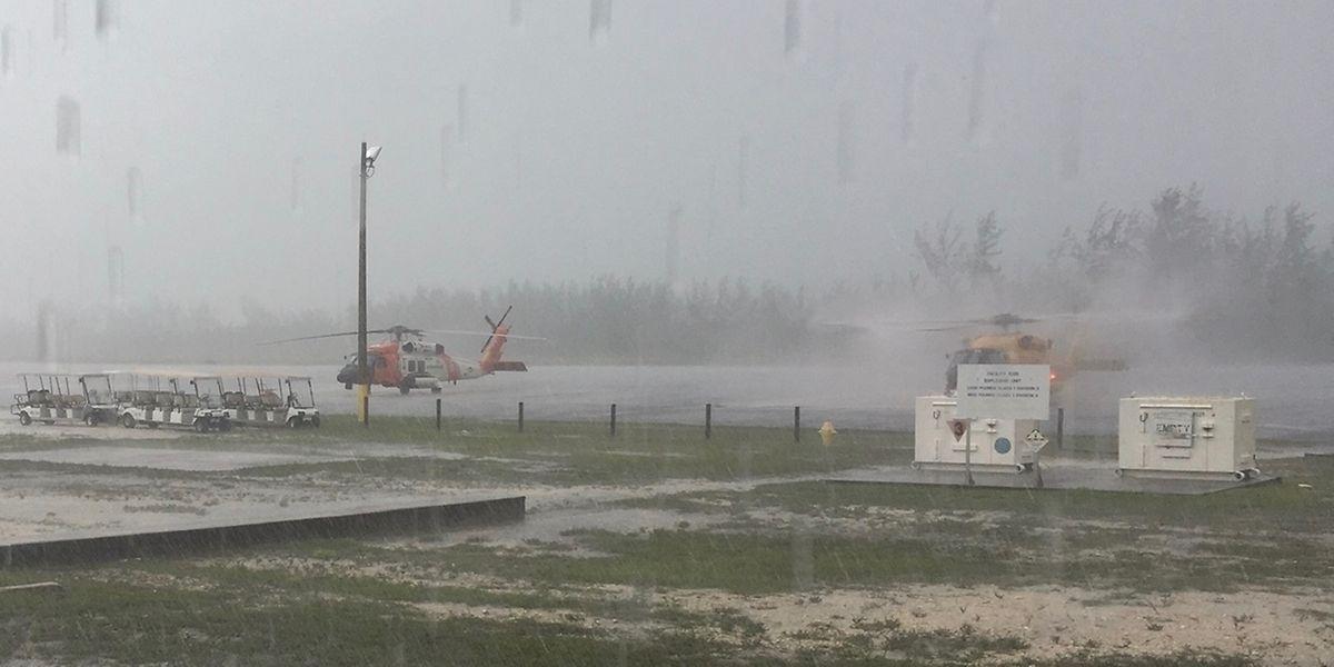 Un hélicoptère tente ici de fournir une aide humanitaire aux Bahamas, le 2 septembre 2019.