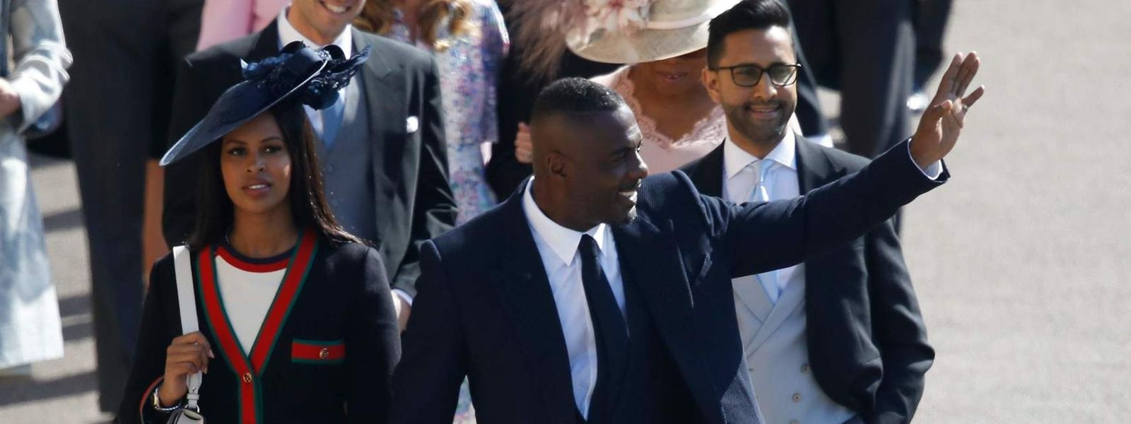 Schauspieler Idris Elba mit seiner Verlobten Sabrina Dhowre - die Aufnahme entstand bei der Hochzeit von Prinz Harry.