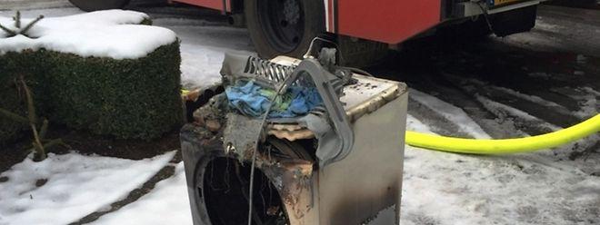 Der Trockner hatte aus unerklärter Ursache Feuer gefangen.