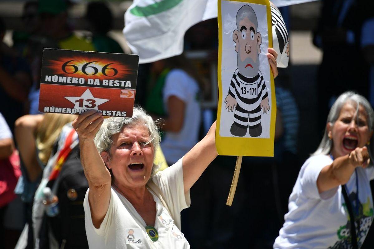 Manifestação contra Lula da Silva.