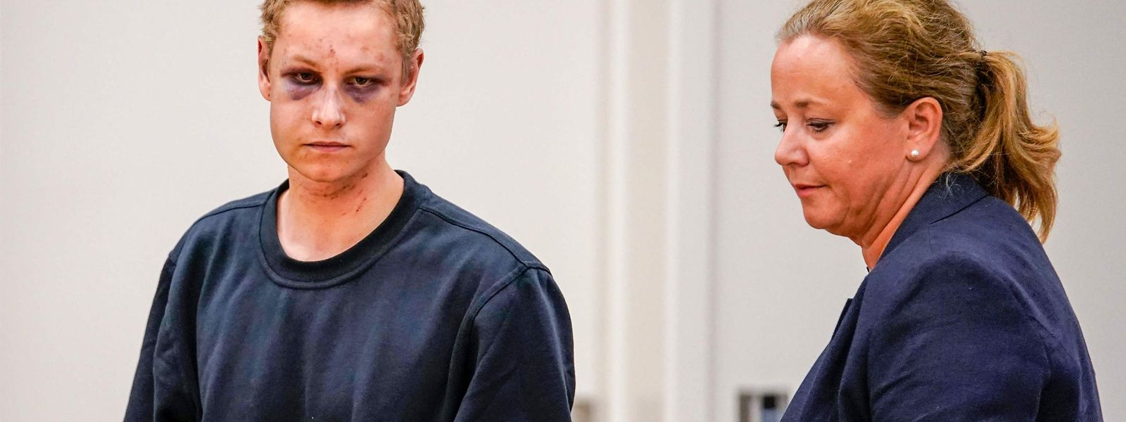 Der Attentäter Philip Manshaus kurz nach dem Anschlag bei einer Anhörung vor Gericht. Bei seiner Verhaftung war er verletzt worden.