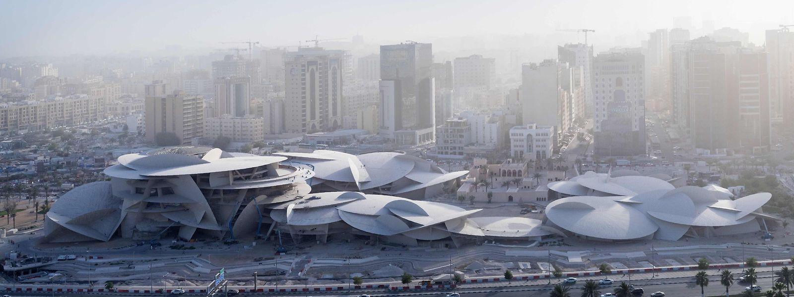 Das neue Nationalmuseum Katars aus der Luftperspektive.