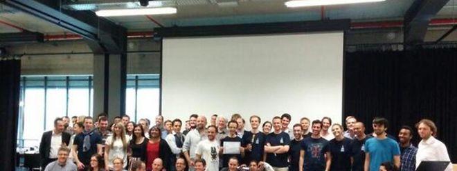 La photo finale des dix équipes, des mentors et du jury, dimanche soir au Technoport d'Esch-Belval