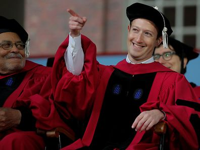 Facebook-Gründer erhält Ehrendoktorwürde der renomierten Harvard-Universität.