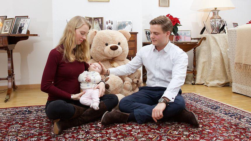 Erzherzogin Gabriella und Prinz Henri mit Tochter Victoria.