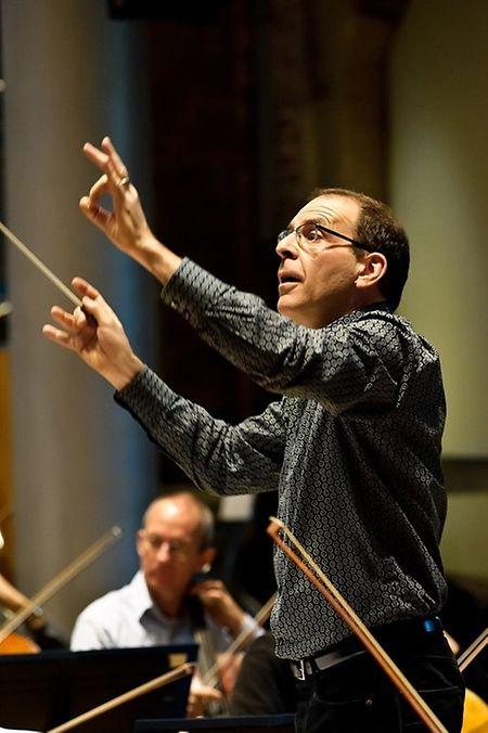 Robert Ziegler, der bereits mehrmals in der Londoner Royal Albert Hall auftrat, gilt als Experte für Ciné-Konzerte.