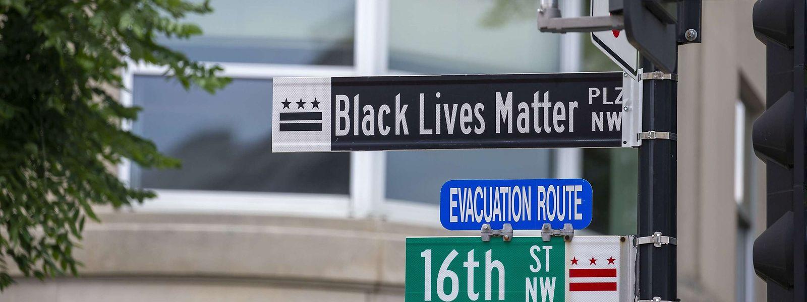 """Eine Straße gegenüber dem Weißen Haus wurde in """"Black Lives Matter Plaza"""" umbenannt."""